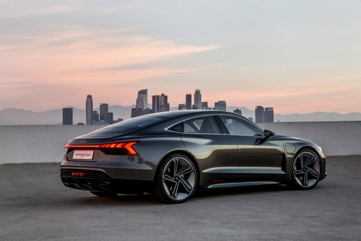 audi etron GT concept car 01