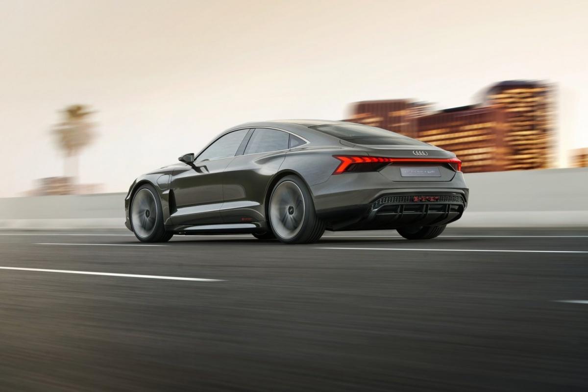 audi etron GT concept car 03