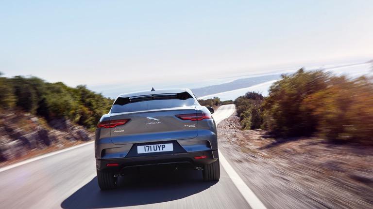 Jaguar I-Pace 04