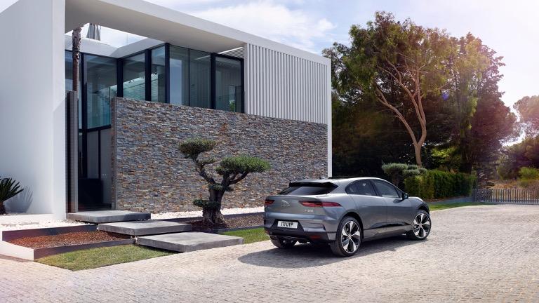 Jaguar I-Pace 07