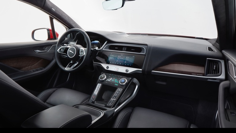 Jaguar I-Pace 09