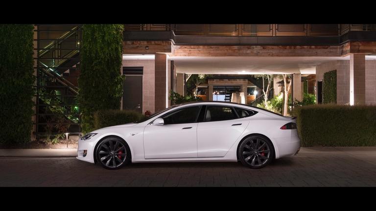 Tesla model S 05