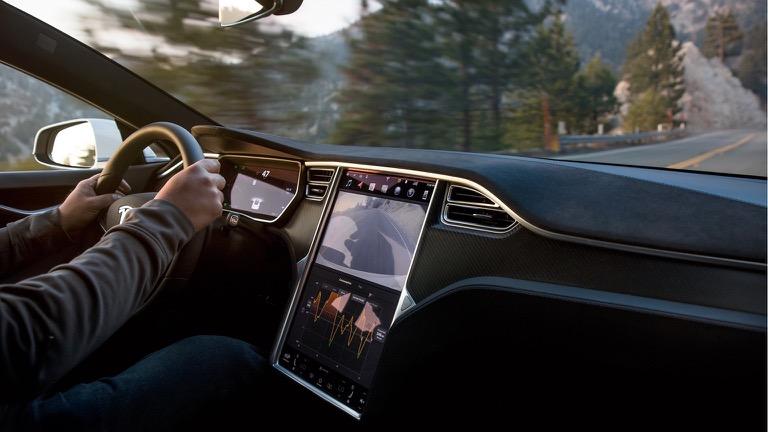 Tesla model S 07