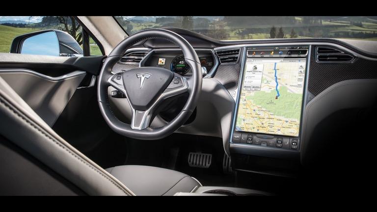 Tesla model S 08