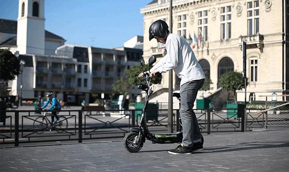Elektrische step: Oplossing voor de stedelijke mobiliteit?