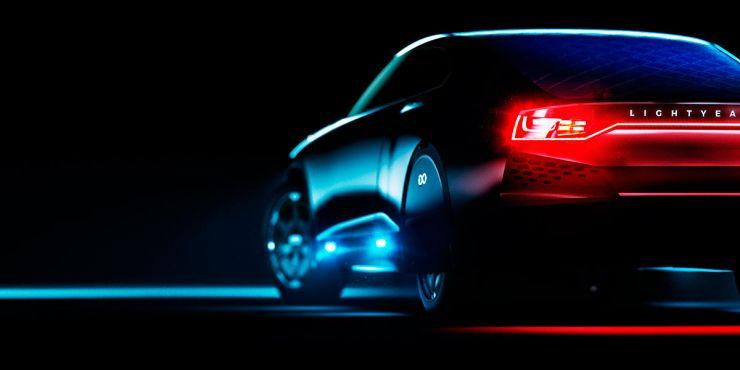De Lightyear one, de eerste wagen die enkel zonne-energie nodig heeft