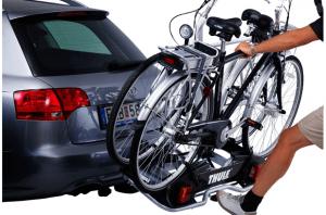 let bij een bagagedrager op het gewicht van de fietsen
